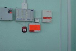 16-канальный видеорегистратор с монитором, кабель-канал