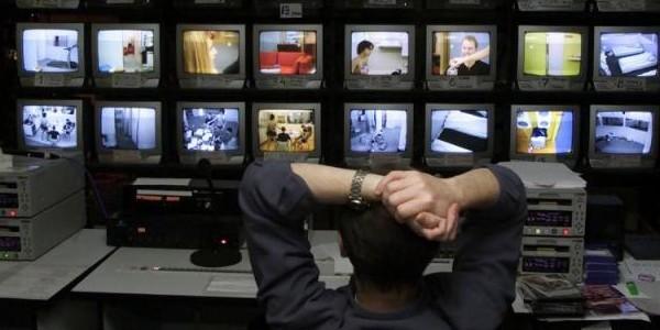 Установка системы видеонаблюдения на рабочем месте - как сохранить коллектив?